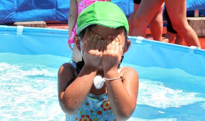 2009_pool03.jpg
